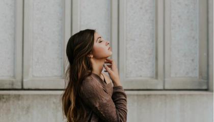 Como o acúmulo de papéis pode afetar a saúde da mulher