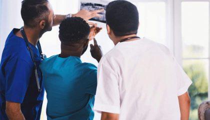 O câncer de próstata é uma das doenças que mais vitima homens a partir dos 50 anos. Saiba mais sobre saúde do homem o poder de um diagnóstico precoce para o tratamento.